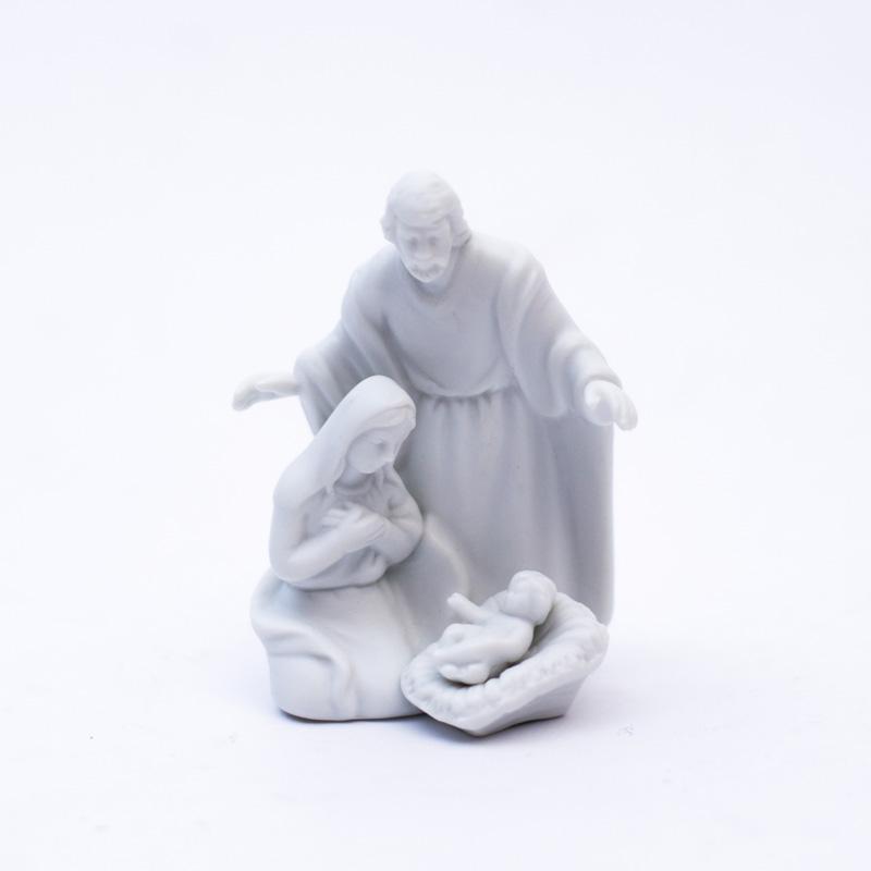Статуетка белая с рождественским сюжетом