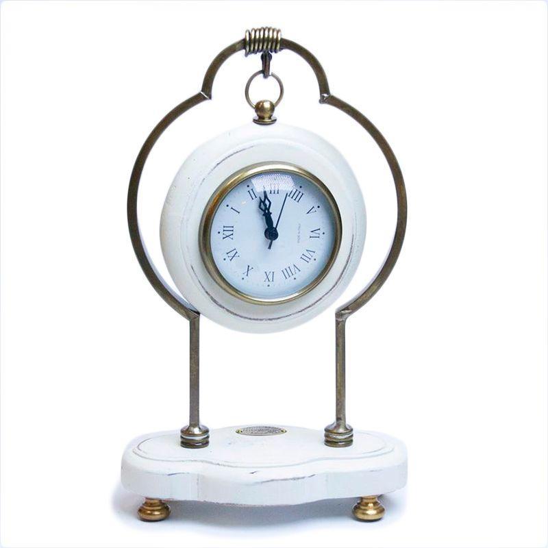 Часы деревянные белые для прованс интерьера