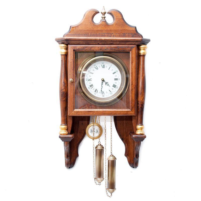 Часы настенные старинные с маятником и боем