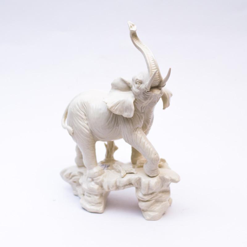 Большой слон керамический