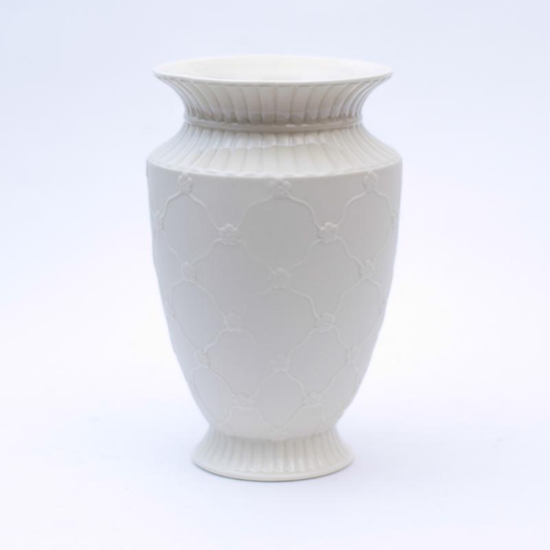 Кремовая ваза