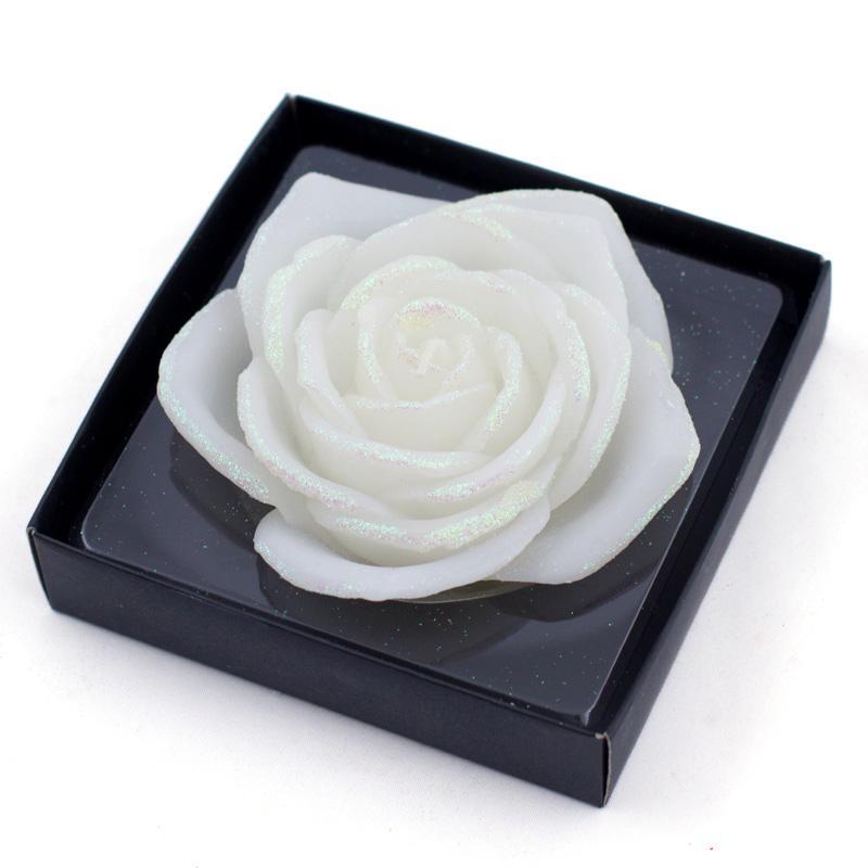 Белоснежная свеча-роза из парафина