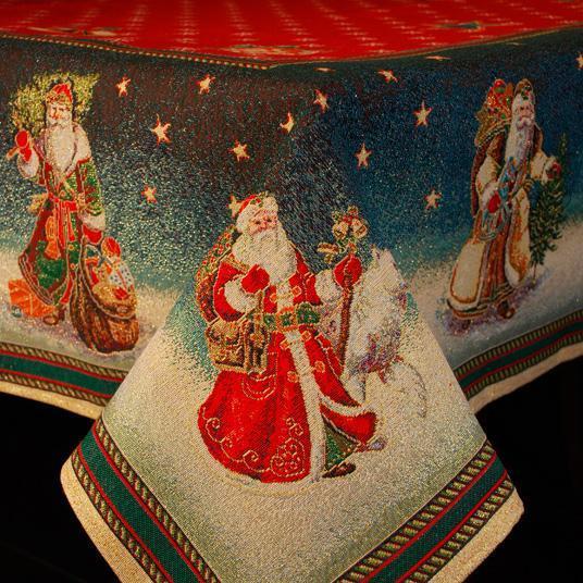 """Гобеленовая скатерть с красным фоном """"Дедушка Мороз"""""""