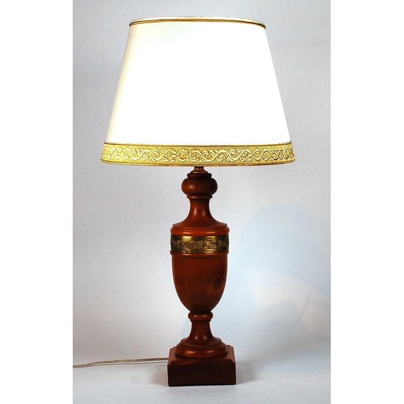 Настольная лампа с конусным абажуром Leone Aliotti