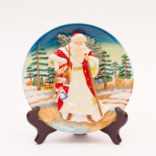 Рождественская настенная тарелка с изображением Деда Мороза - фото