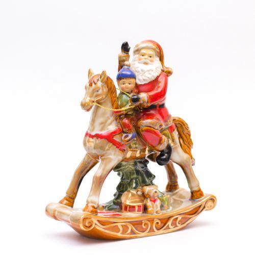 Санта на лошадке - фото