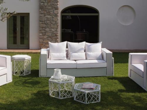 Комплект мебели для террасы с плетением из искусственного ротанга белого цвета - фото