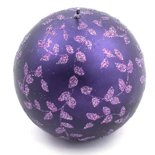Свеча-шар фиолетовая с блестящим раститительным узором - фото
