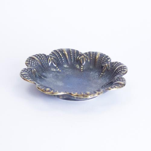 Декоративная тарелочка из латуни - фото