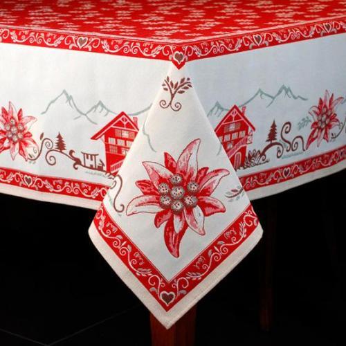 """Яркая гобеленовая скатерть с цветами пуансетии """"Рождество в шале"""" - фото"""
