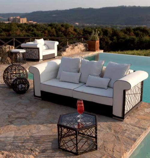 Комплект мебели для террасы из искусственного ротанга с декором в виде паутины - фото