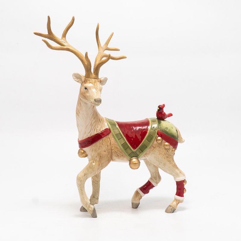 Керамическая статуэтка в рождественской стилистике «Олень с птицей» - фото