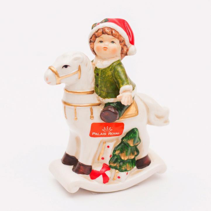 Статуэтка Малыш на лошадке - фото