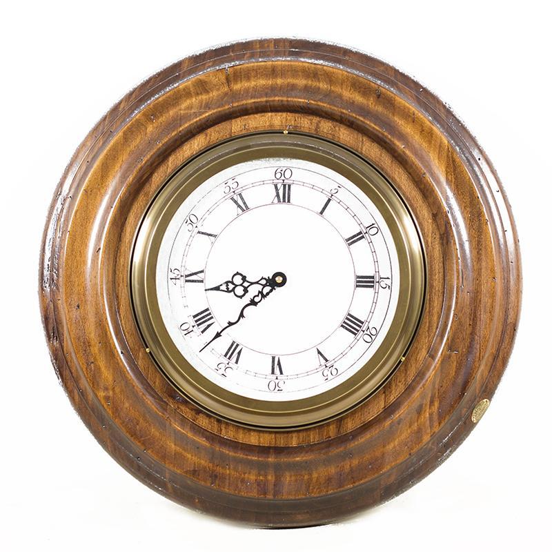 Часы старинные - фото