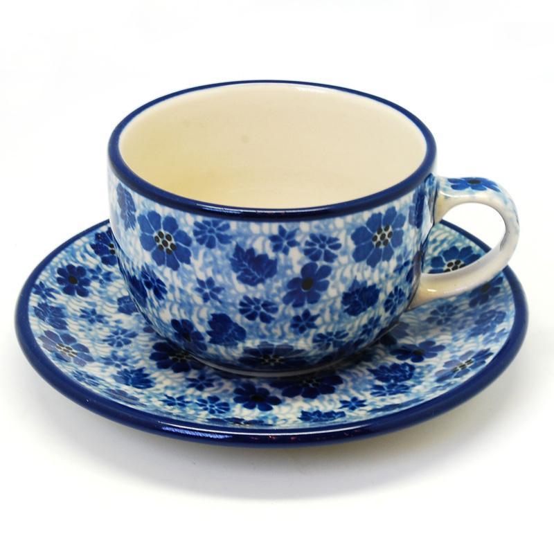 Чашка с блюдцем - фото