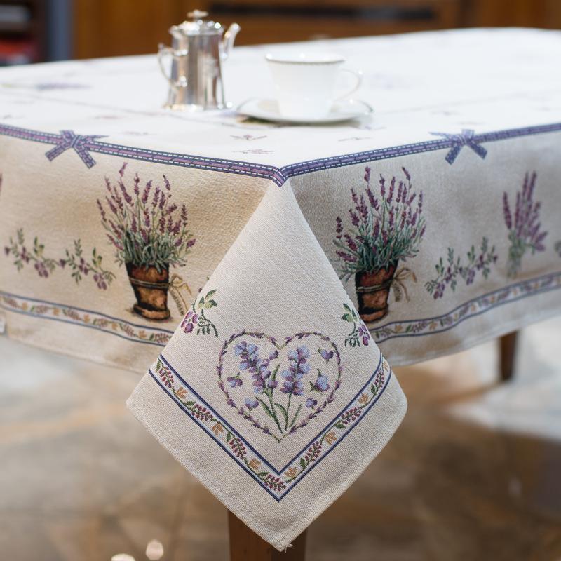 """Прямоугольная скатерть из светлого гобелена с нежным рисунком """"Лавандовый сад"""" - фото"""