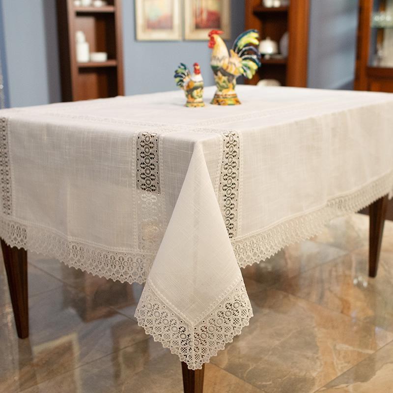 Белая праздничная скатерть с кружевной отделкой «Свежесть» - фото