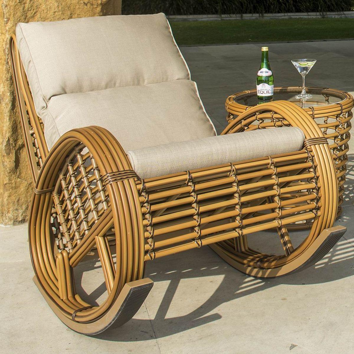 Плетеное кресло-качалка из искусственного ротанга Taurus