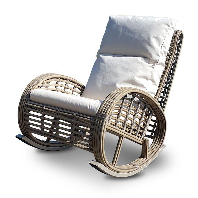 Плетеное кресло-качалка для отдыха в саду Dynasty