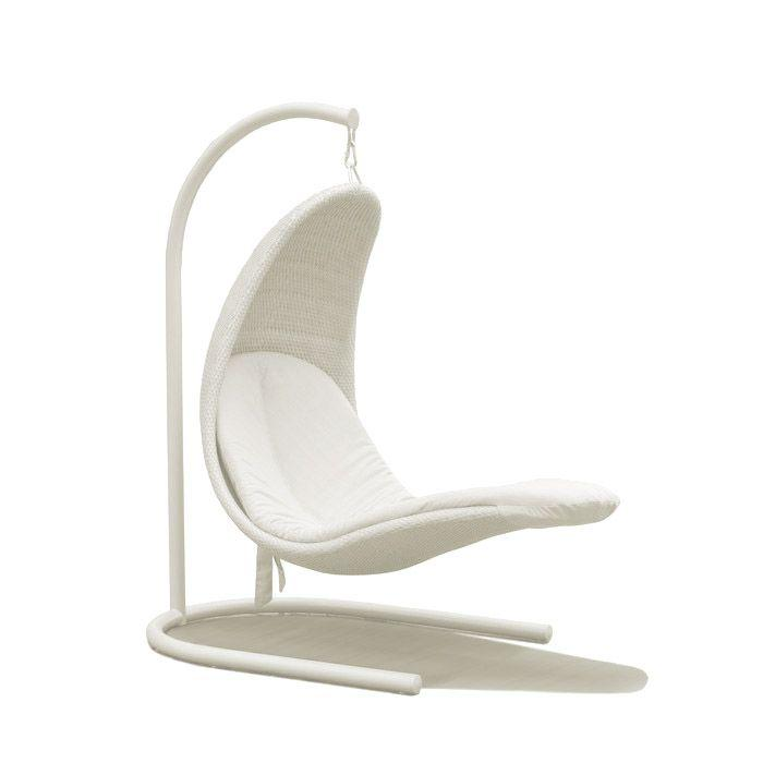 Садовое кресло-качели из белого полиротанга Christine