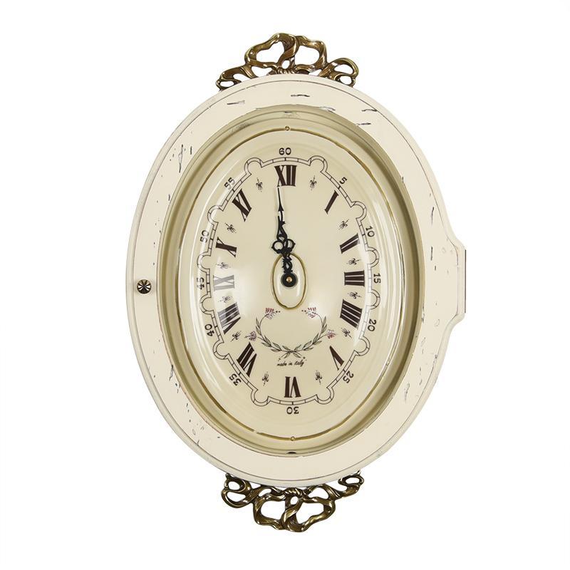 Часы настенные белые в антикварном стиле