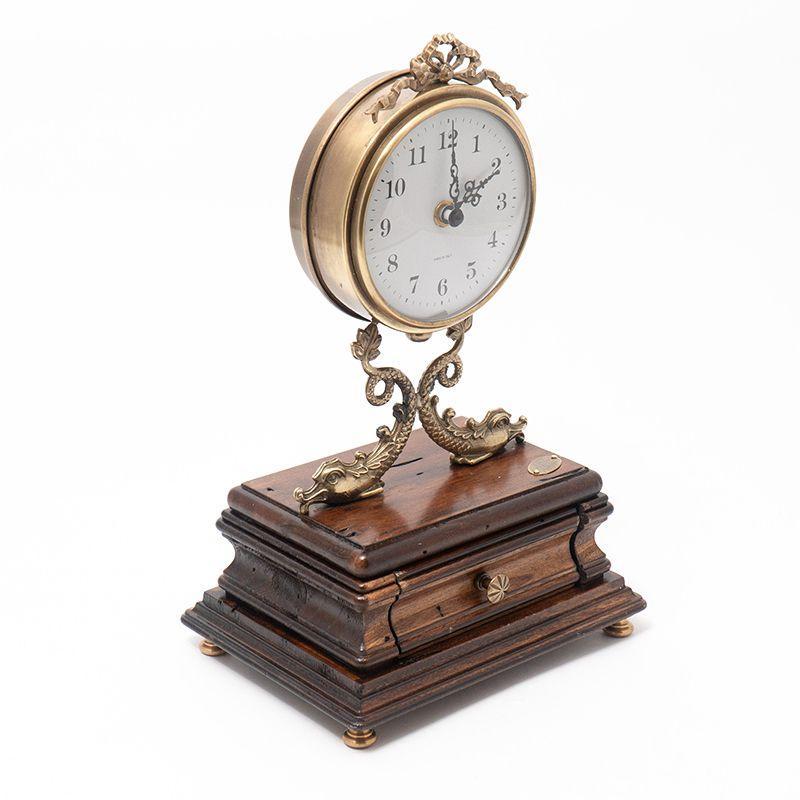 Часы настольные с мини-ящичком
