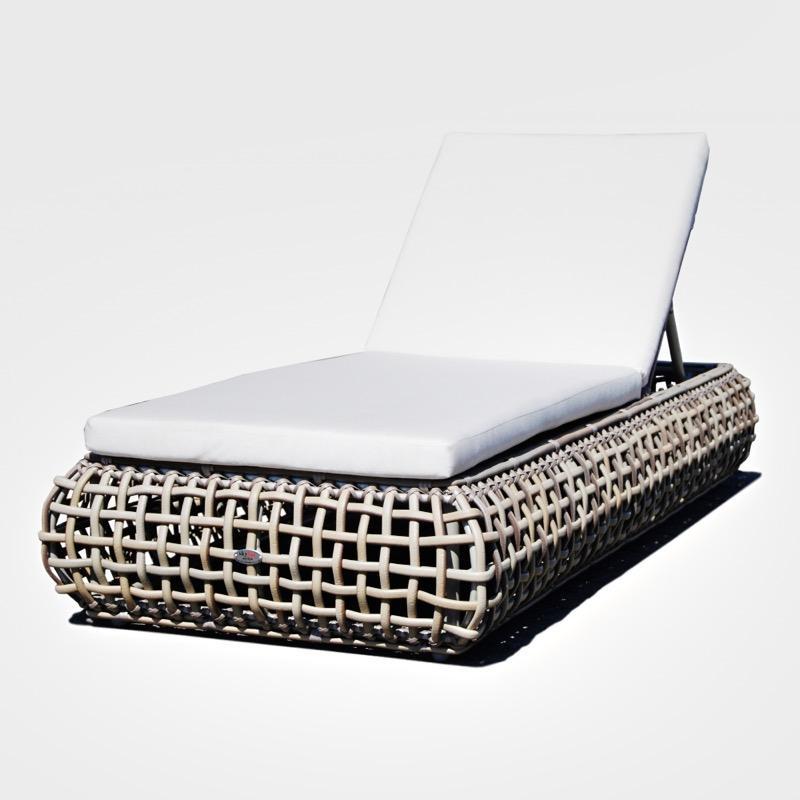 Плетеный лежак для отдыха на свежем воздухе Dynasty