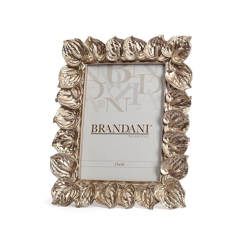 Рамка для фото с объемным декором из Антуриума