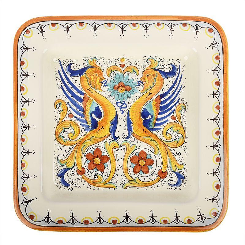 Декоративная тарелка с изображением двух драконов