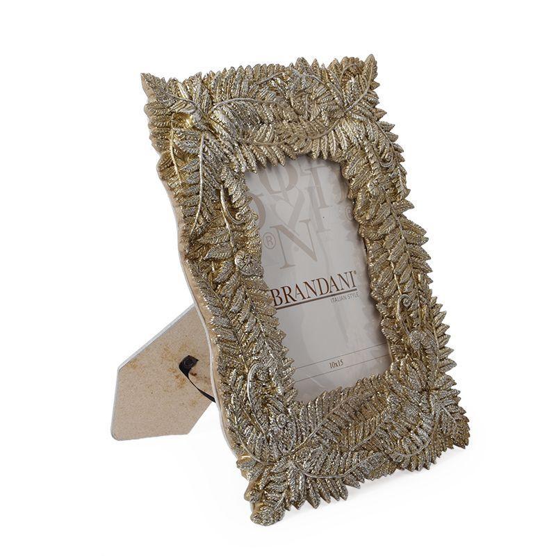 Рамка для фото с декором из листьев папоротника