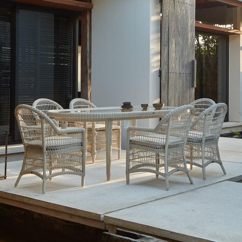 Комплект столовой мебели из белого ротанга Arena