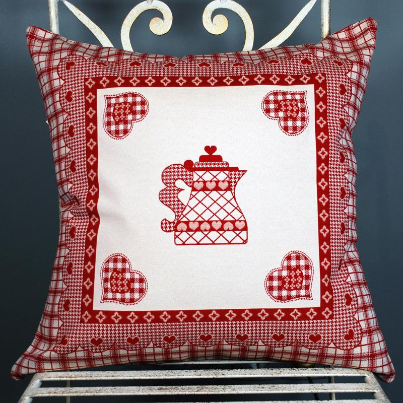 Наволочка для подушки на кухню с изображением чайника