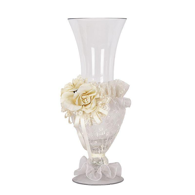 Изящная ваза с декором из цветов и текстиля Cr. Artistiche