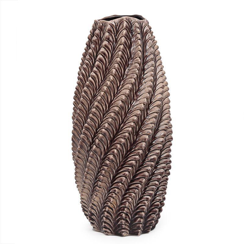Высокая керамическая ваза с выпуклым спиральным декором