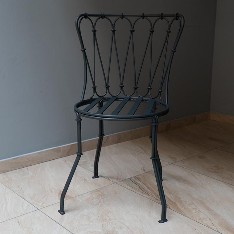 Стул металлический с круглым сиденьем цвета графит