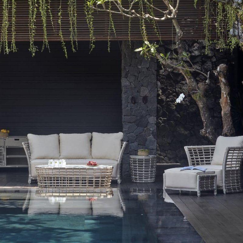 Комплект уличной мебели для отдыха из белого ротанга Villa White