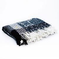 Комфортный сине-серый плед с вытканным узором Traditionally Formal