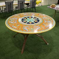 Круглый стол с вулканической столешницей в стиле ренессанс Antico