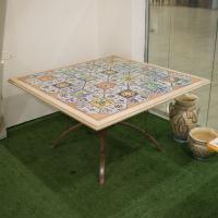 Каменный стол из травертина с керамической инкрустацией Spoleto