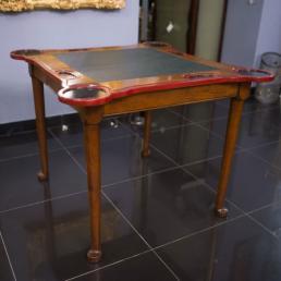 Оригинальный столик-трансформер  для настольных игр Mocape