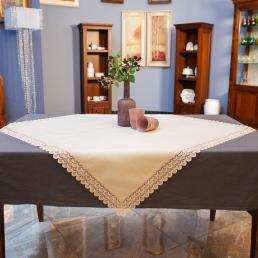 Скатерть полиэстеровая Villa Grazia Крем-брюле 110×110 см