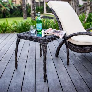 Столик приставной с ручным плетением из ротанга Celeste
