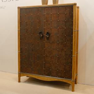 Барный шкаф из натурального дерева с креативным дизайном Mandarim AM Classic