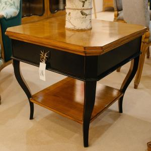 Двухцветный кофейный столик, изготовленный вручную из благородной древесины
