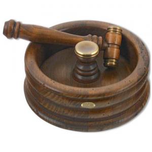 Орешница деревянная с молоточком Capanni