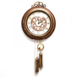 Часы настенные старинные с гирями и маятником