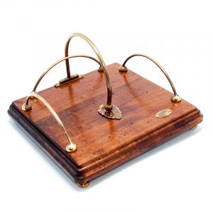 Салфетница деревяннная