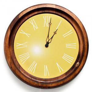 Часы настенные классические