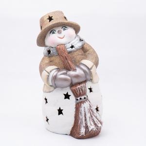 Статуэтка LED «Снеговик в золотистой шляпке с метлой»