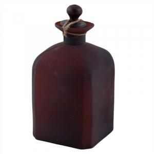 Декоративный бутыль прямоугольной формы из темного стекла